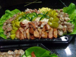 vol-opgemaakte-salade